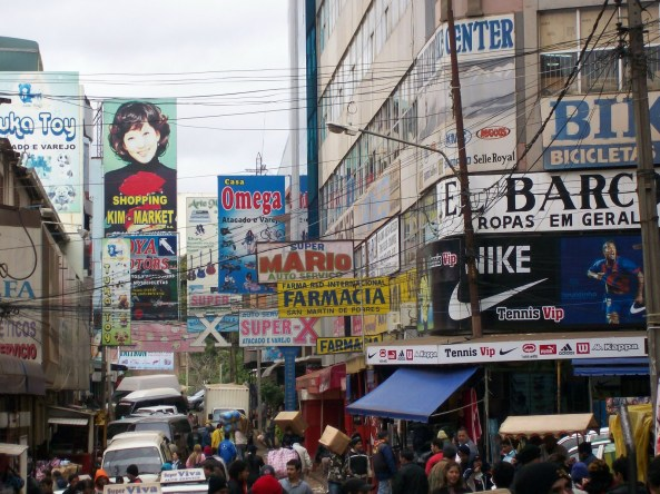 Ciudad del Este: pense numa 25 de Março maior, mais feia e cheia de gente